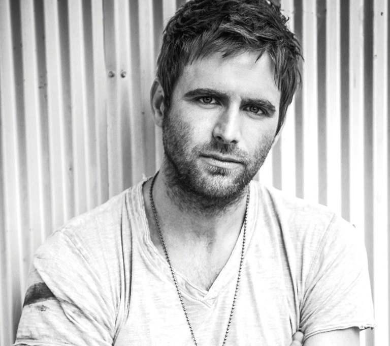 CANAAN SMITH CAN'T WAIT TO TOUR WITH THE 'KING OF COOL.'