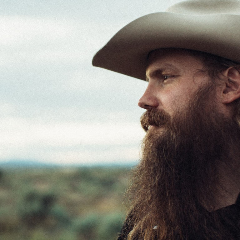 CHRIS STAPLETON NEARS THE TOP OF THE COUNTRY CHARTS WITH 'BROKEN HALOS.'