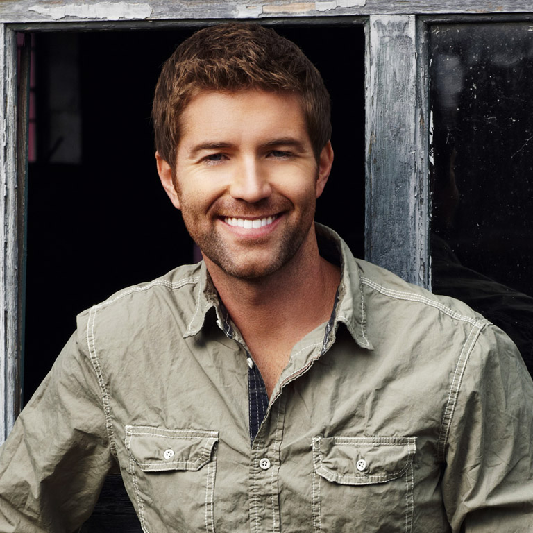 JOSH TURNER RECRUITS BAND AND CREW FOR 'NO SHAVE NOVEMBER.'