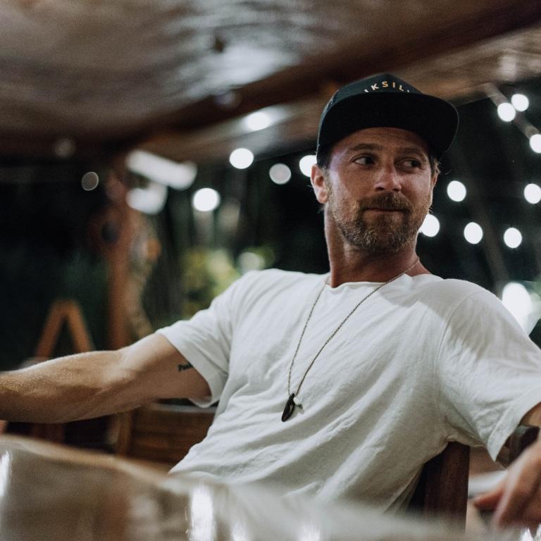 KIP MOORE REVEALS HIS NEW ALBUM, 'SLOWHEART,' WILL BE RELEASED IN SEPTEMBER.