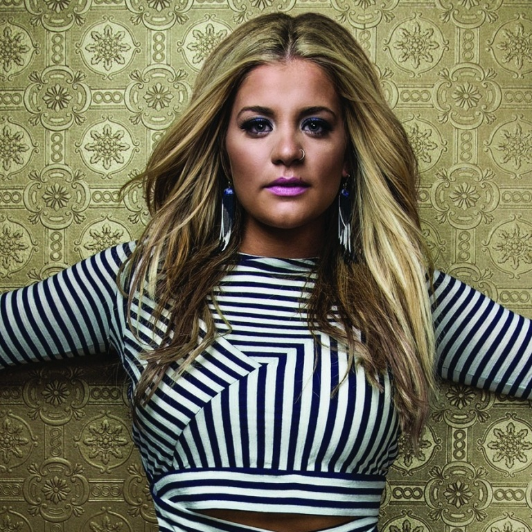 LAUREN ALAINA APPEARS ON 'GOOD MORNING AMERICA' AS PART OF HER ALBUM RELEASE WEEK.
