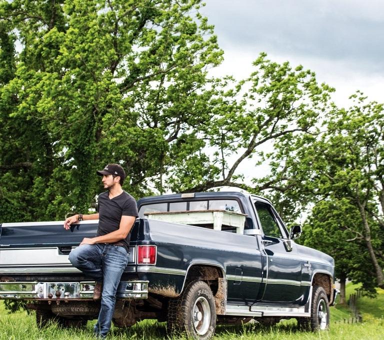 LUKE BRYAN LAUNCHES HIS NINTH ANNUAL FARM TOUR.