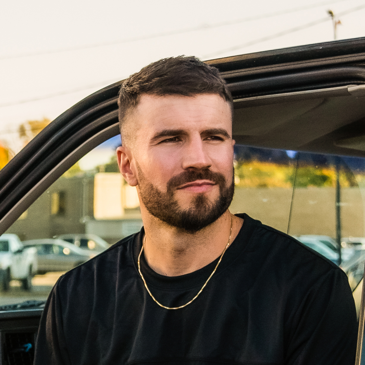 SAM HUNT PERFORMED HIS NEW SINGLE ON THE TONIGHT SHOW.