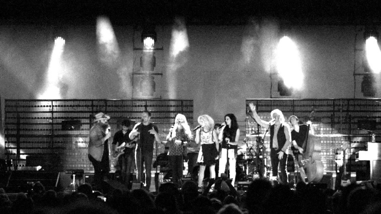 Chris Stapleton // Little Big Town – Elvira (Live)