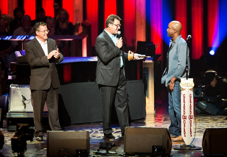 DARIUS RUCKER IS OFFICIALLY A MEMBER OF THE GRAND OLE OPRY! (AUDIO, PHOTOS & VIDEO)