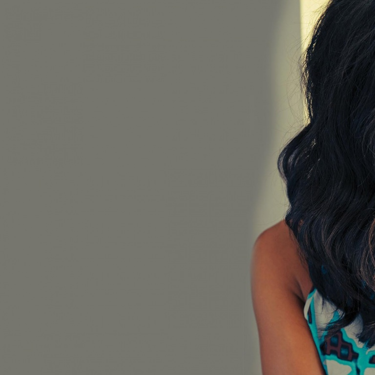 MICKEY GUYTON IS CELEBRATING CHRISTMAS WITH 12 DAYS OF GIVEAWAYS.