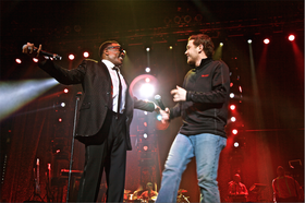 SCOTTY McCREERY PERFORMS WITH R&B SUPERSTAR CHARLIE WILSON.