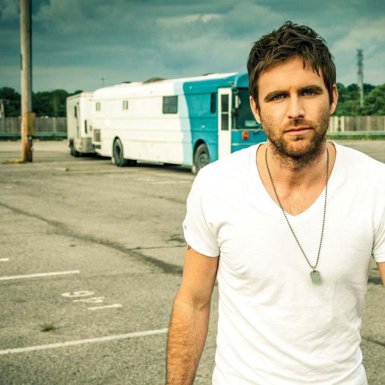 CANAAN SMITH RELEASES HIS DEBUT EP ON TUESDAY!