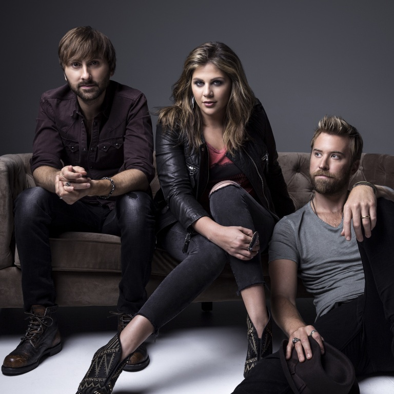 LADY ANTEBELLUM AND BILLY CURRINGTON TALK ABOUT DAVID LETTERMAN ON THE DAY OF HIS LAST SHOW.