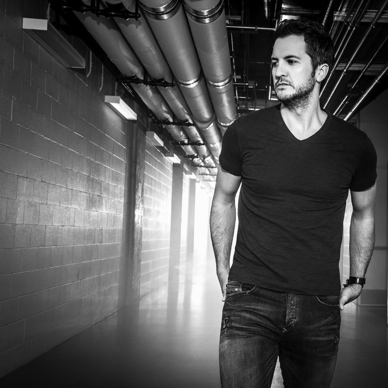 LUKE BRYAN'S 'KILL THE LIGHTS' IS NO. 1 COUNTRY ALBUM THIS WEEK.