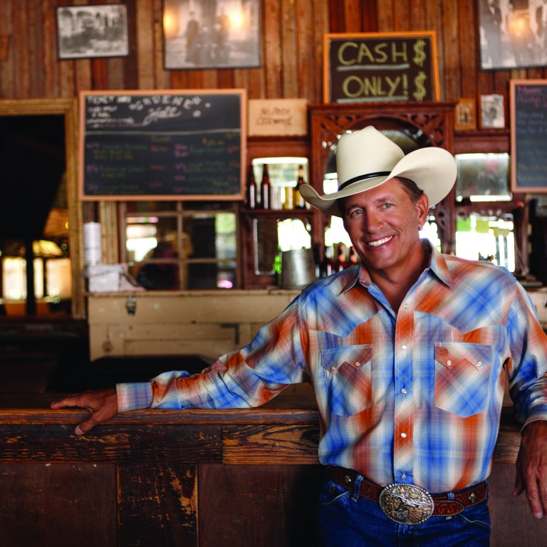 GEORGE STRAIT ENJOYS A 'COLD BEER CONVERSATION.'