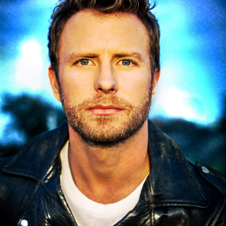 DIERKS BENTLEY HITS THE TOP OF THE COUNTRY CHARTS WITH 'SOMEWHERE ON A BEACH.'