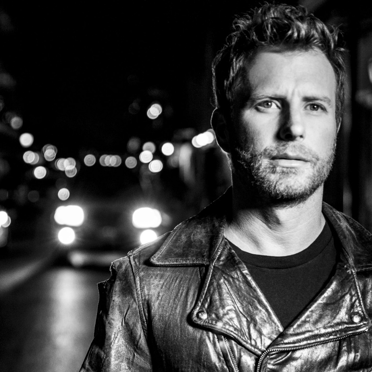 DIERKS BENTLEY WILL PERFORM DURING THE NFL KICKOFF SHOW IN DENVER SEPTEMBER 8TH.