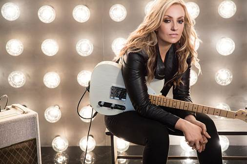 CLARE DUNN DEBUTS NEW MUSIC VIDEO FOR 'TUXEDO.'