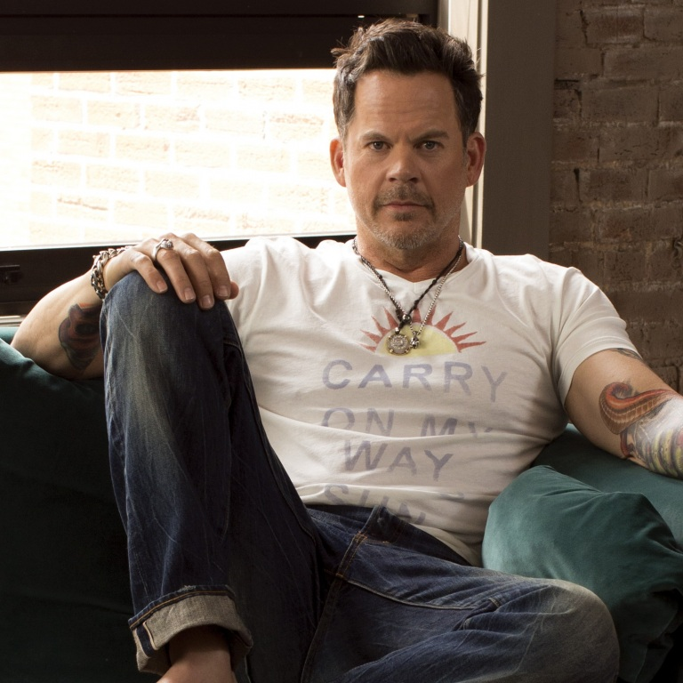GARY ALLAN, THE PEACOCK, STIRS UP TROUBLE IN TUTTLE, OKLAHOMA.