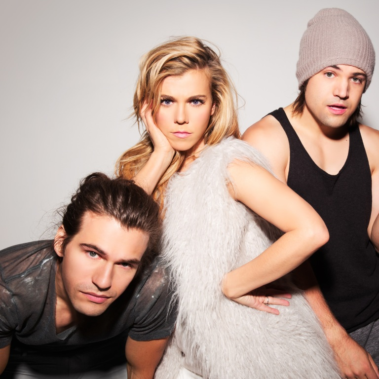THE BAND PERRY RELEASE THEIR NEW SINGLE, 'COMEBACK KID.'