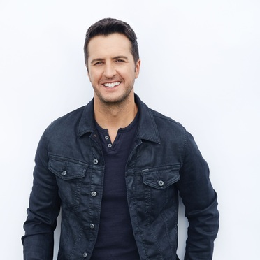 LUKE BRYAN PERFORMS NATIONAL ANTHEM AT GAME FOUR OF THE STANLEY CUP PLAYOFFS BETWEEN THE NASHVILLE PREDATORS AND THE CHICAGO BLACKHAWKS.