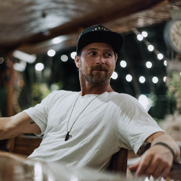 KIP MOORE ANNOUNCES HIS PLEAD THE FIFTH TOUR WITH SPECIAL GUESTS DRAKE WHITE AND JORDAN DAVIS.
