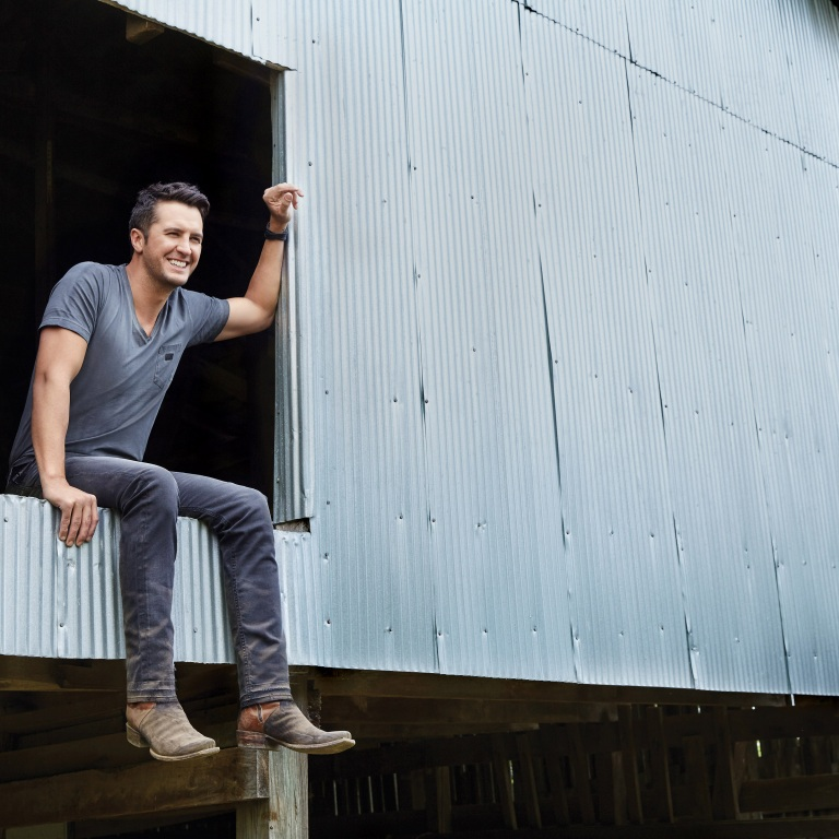 Jordan Davis Slow Dance In A Parking Lot: LUKE BRYAN TAKES FANS BEHIND-THE-SCENES AT