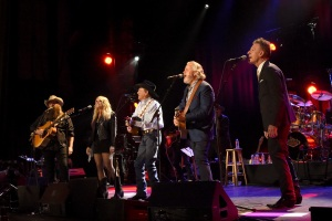 SAN ANTONIO, TX - SEPTEMBER 12: (L-R) In this handout photo provided by Hand in Hand, Chris Stapleton, Miranda Lambert, George Strait, Lyle Lovett and Robert Early Keen perform onstage during George Strait's Hand in Hand Texas benefit concert at the Majestic Theatre on September 12, 2017 in San Antonio, Texas. (Photo by Rick Diamond/Hand in Hand/Getty Images)