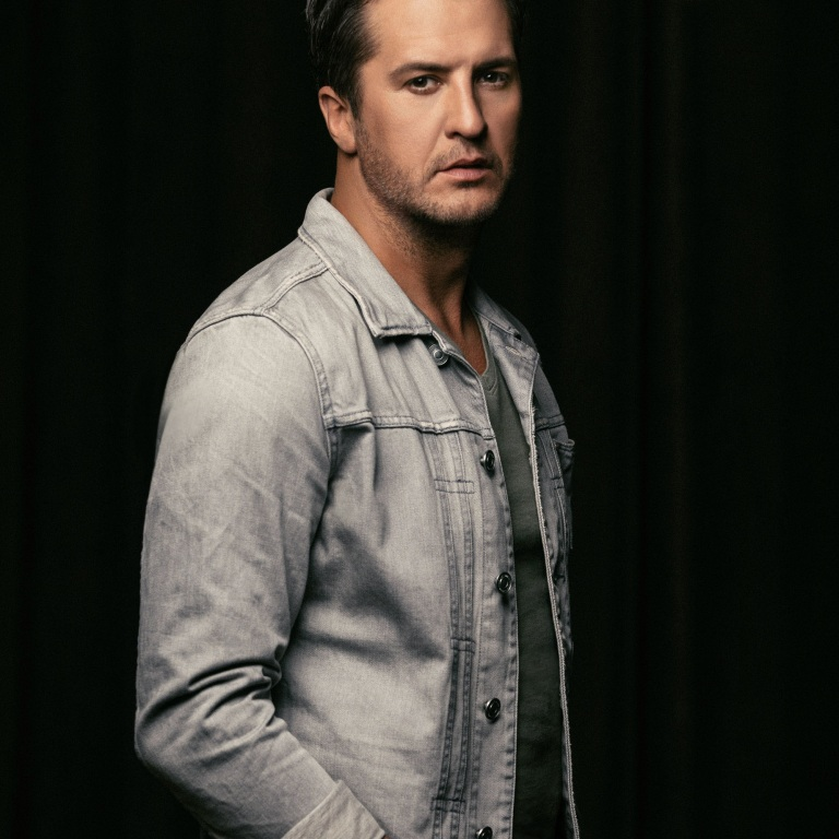 LUKE BRYAN HAS A LOT GOING ON TODAY, INCLUDING AN APPEARANCE WITH HIS FELLOW AMERICAN IDOL JUDGES ON GMA, A LYRIC VIDEO AND A TEASER.