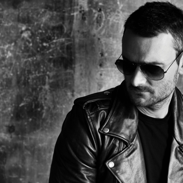 ERIC CHURCH EXPERIENCES DEEP CONNECTION TO HIS FANS.