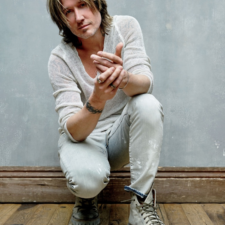 KEITH URBAN REFLECTS ON 2019 AND LOOKS AHEAD TO 2020.