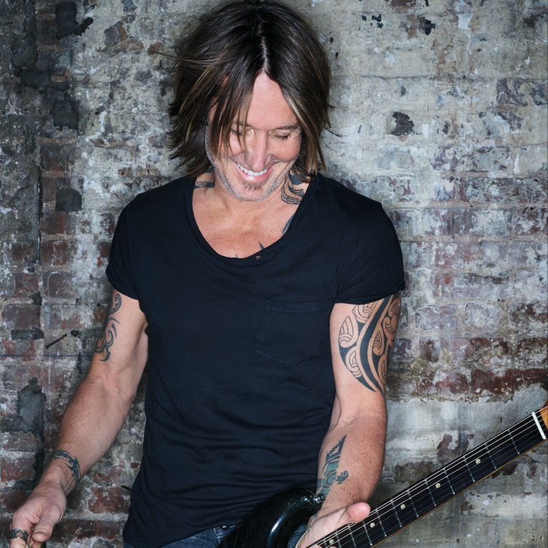 KEITH URBAN GETS READY TO LAUNCH HIS NEW GRAFFITI U WORLD TOUR.