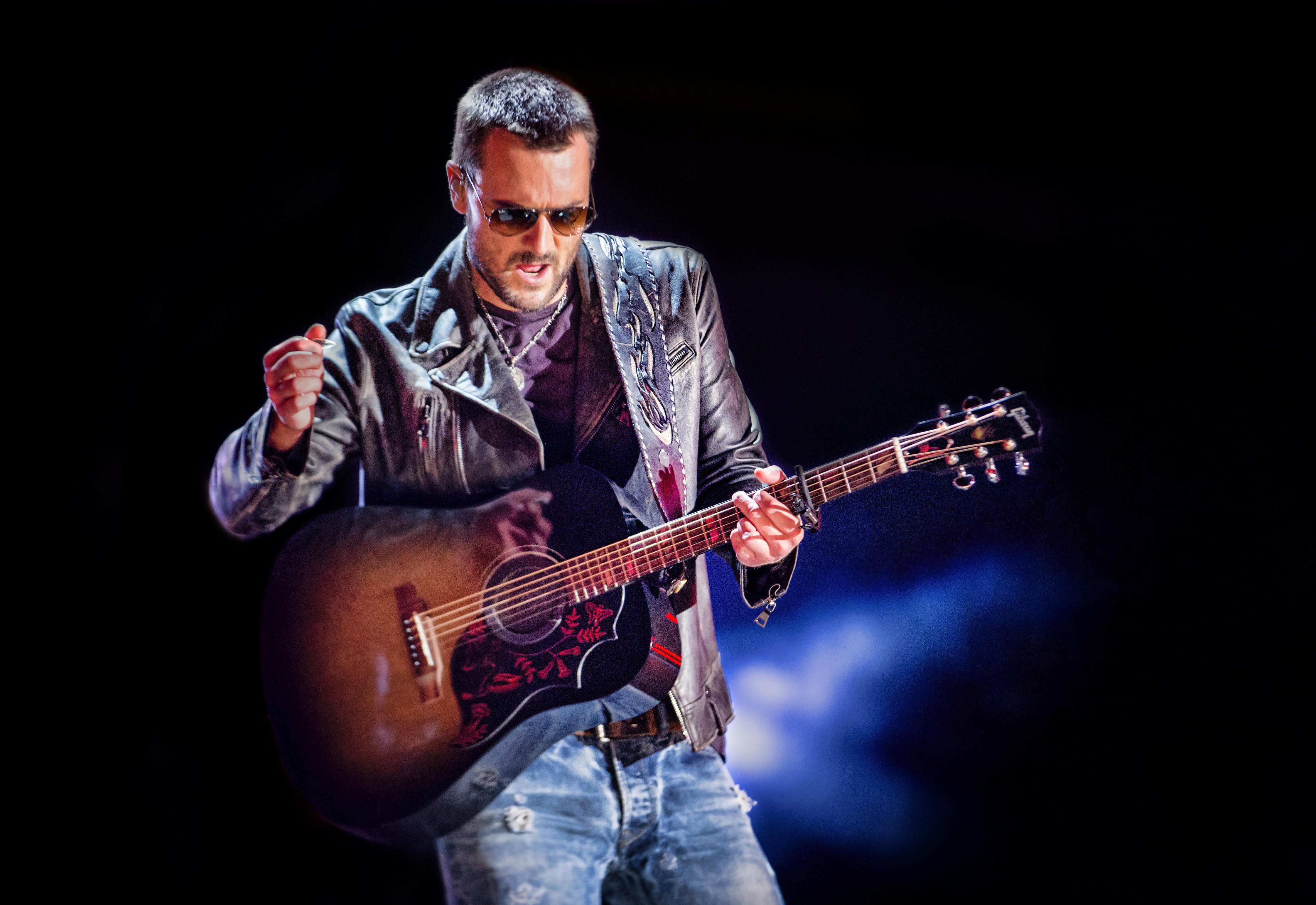 ERIC CHURCH'S 30-MINUTE MEDLEY AT LAST YEAR'S CMA FEST AIRS ON CMA STAY-CAY SPECIAL.