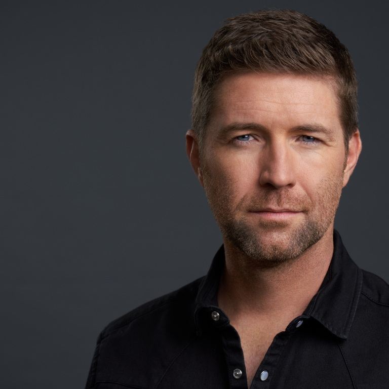 "JOSH TURNER EARNS HIS FIRST GMA DOVE AWARD FOR ""I SAW THE LIGHT"" FEATURING SONYA ISAACS."