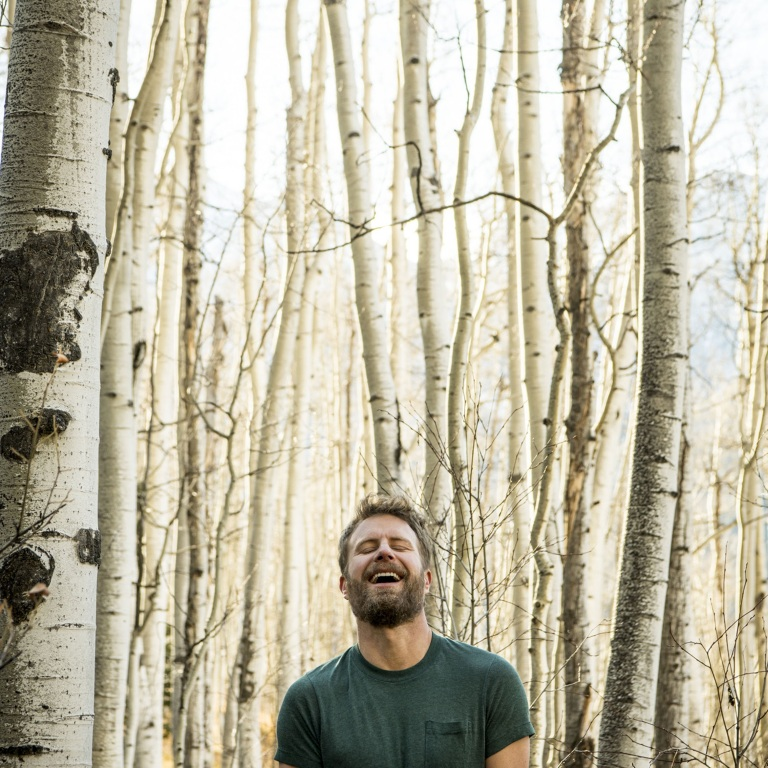 "DIERKS BENTLEY CELEBRATES 18TH NO. ONE AND AWARD-WINNING ""BURNING MAN."""