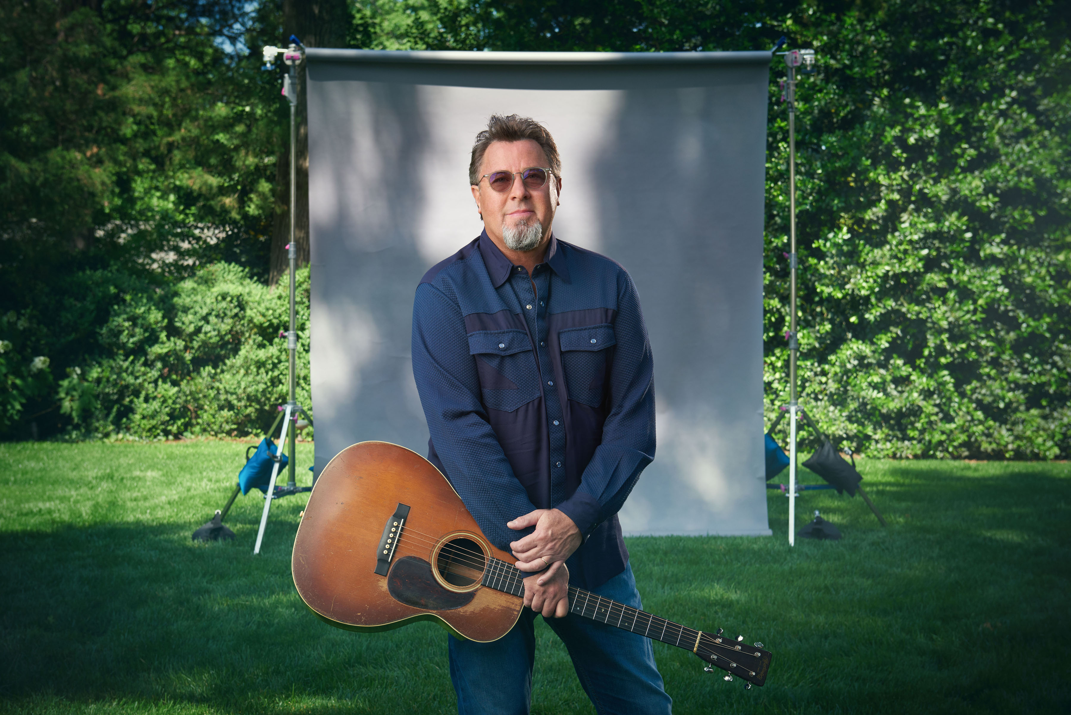VINCE GILL RELEASES ANOTHER TRACK FROM HIS UPCOMING OKIE ALBUM.