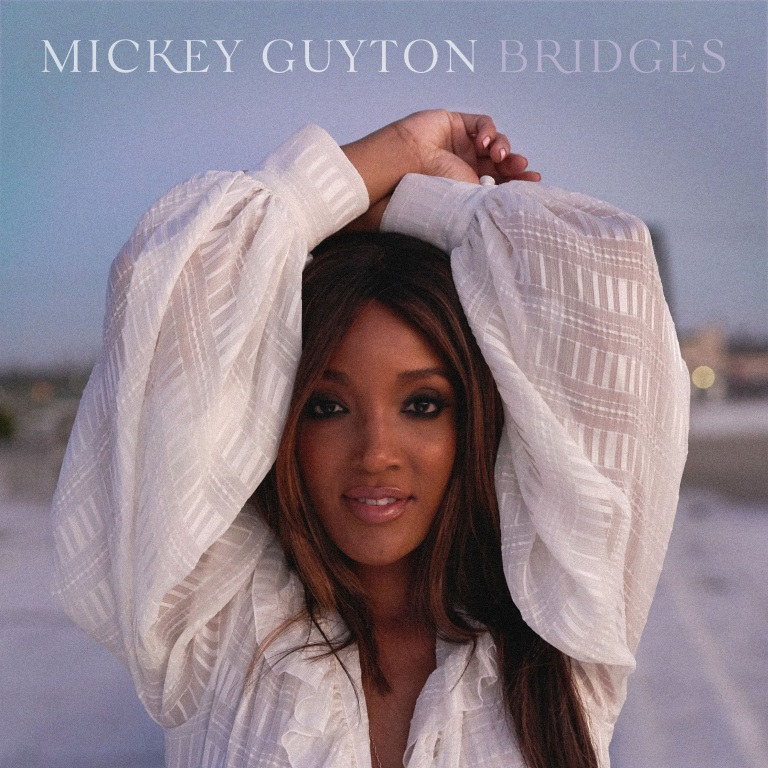 """MICKEY GUYTON PERFORMS THE SONG """"SALT"""" ON THE KELLY CLARKSON SHOW."""
