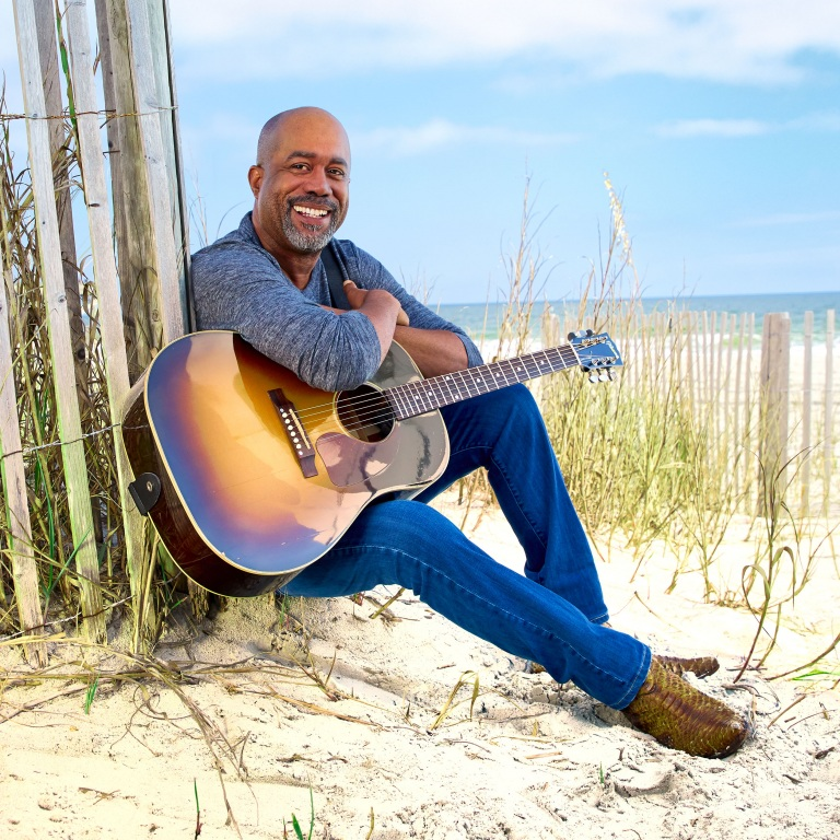 "DARIUS RUCKER ENJOYS SOME ""BEERS AND SUNSHINE."""