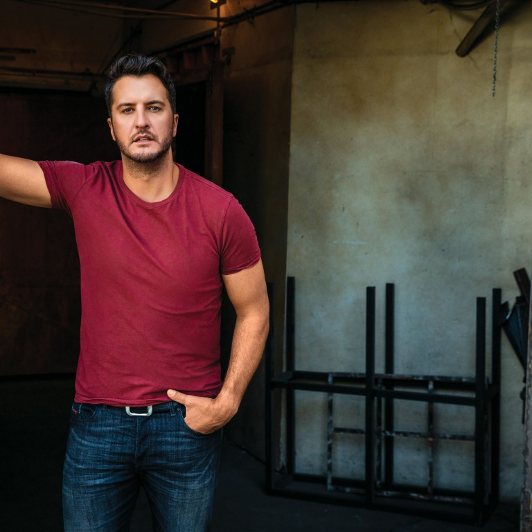 "LUKE BRYAN HAS ""THE RIGHT STUFF"" ON AMERICAN IDOL."