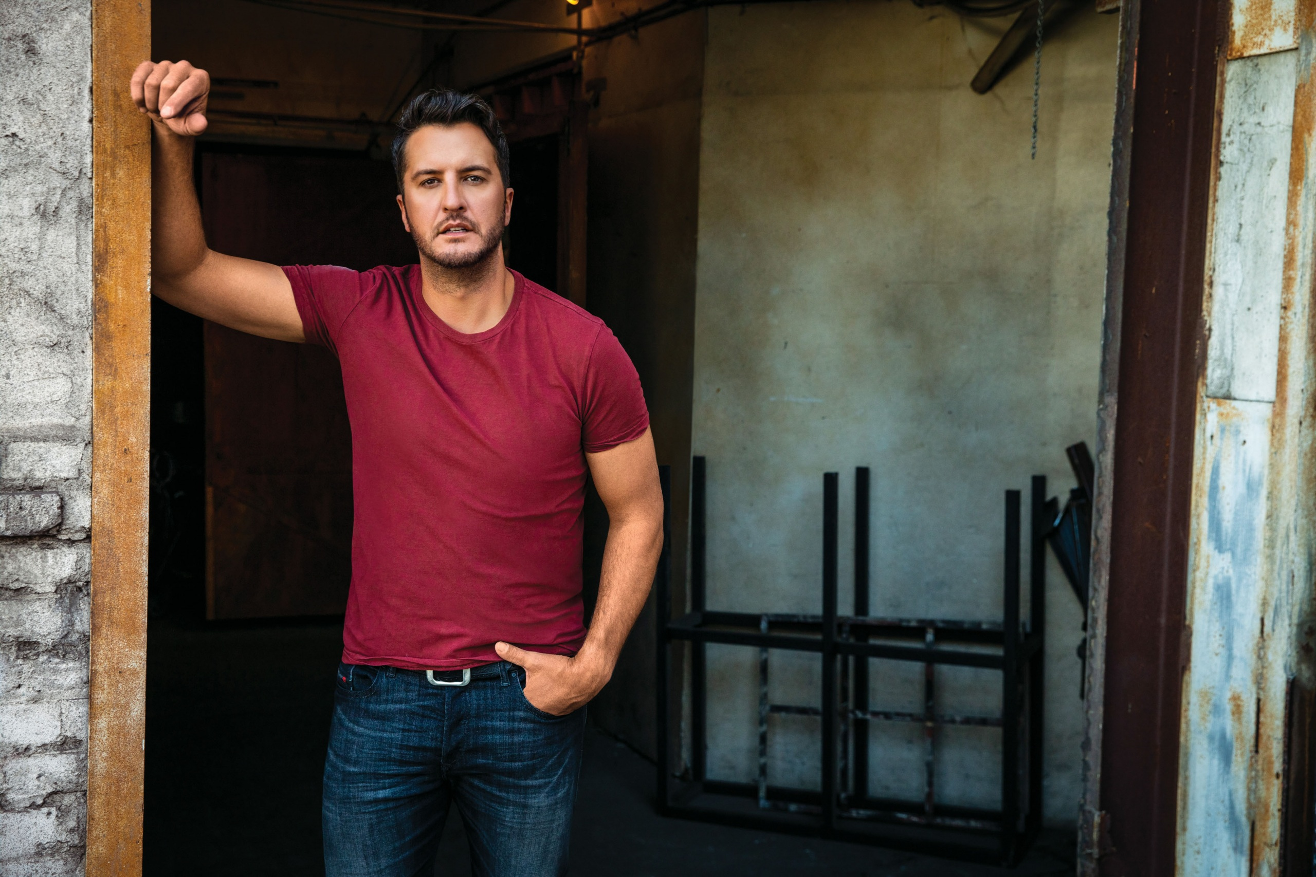 "LUKE BRYAN'S ""DOWN TO ONE"" HITS THE TOP OF THE COUNTRY CHARTS THIS WEEK!"