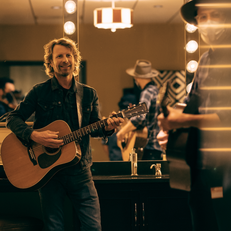DIERKS BENTLEY COMMEMORATES 15 YEARS AS GRAND OLE OPRY MEMBER DURING OPRY'S 95TH ANNIVERSARY.