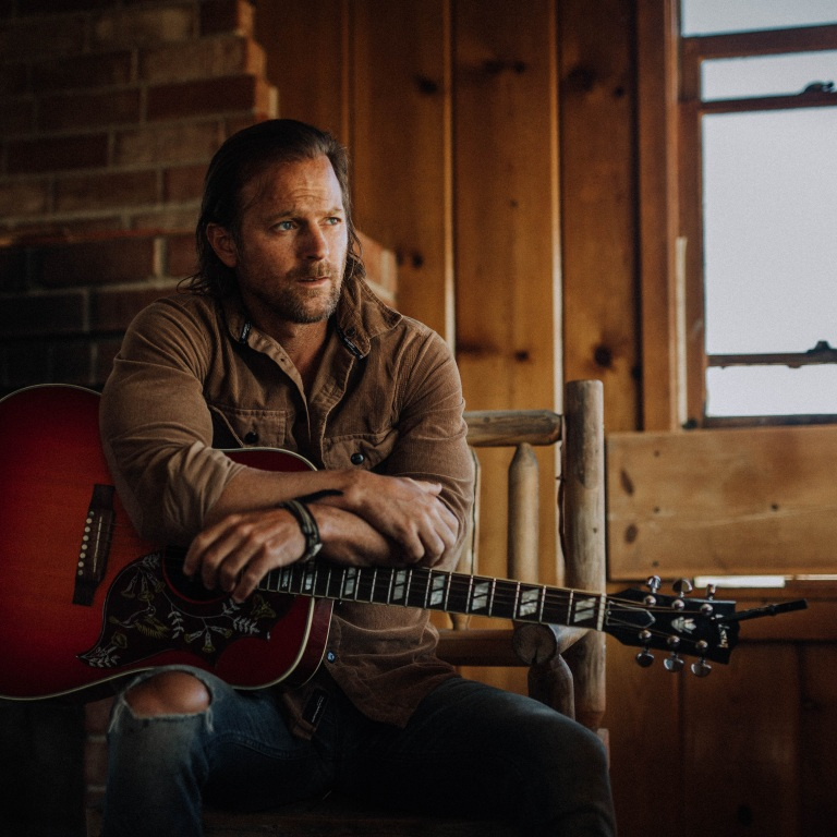 KIP MOORE'S WILD WORLD DELUXE: LIVE AT THE RYMAN CELEBRATED HIS ENHANCED ALBUM RELEASE WITH A CAPTIVATING 26-SONG SET AND SURPRISE SPECIAL GUEST ASHLEY MCBRYDE.